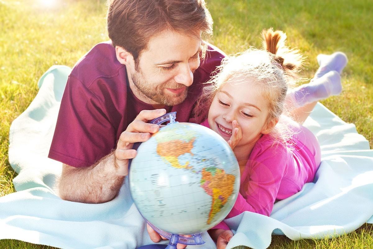 Regálales el mundo ahorrando para su educación