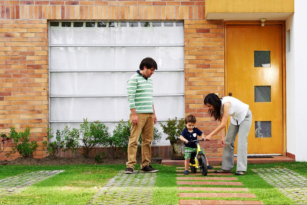 ¿Qué necesitas para comprar o rentar una casa?