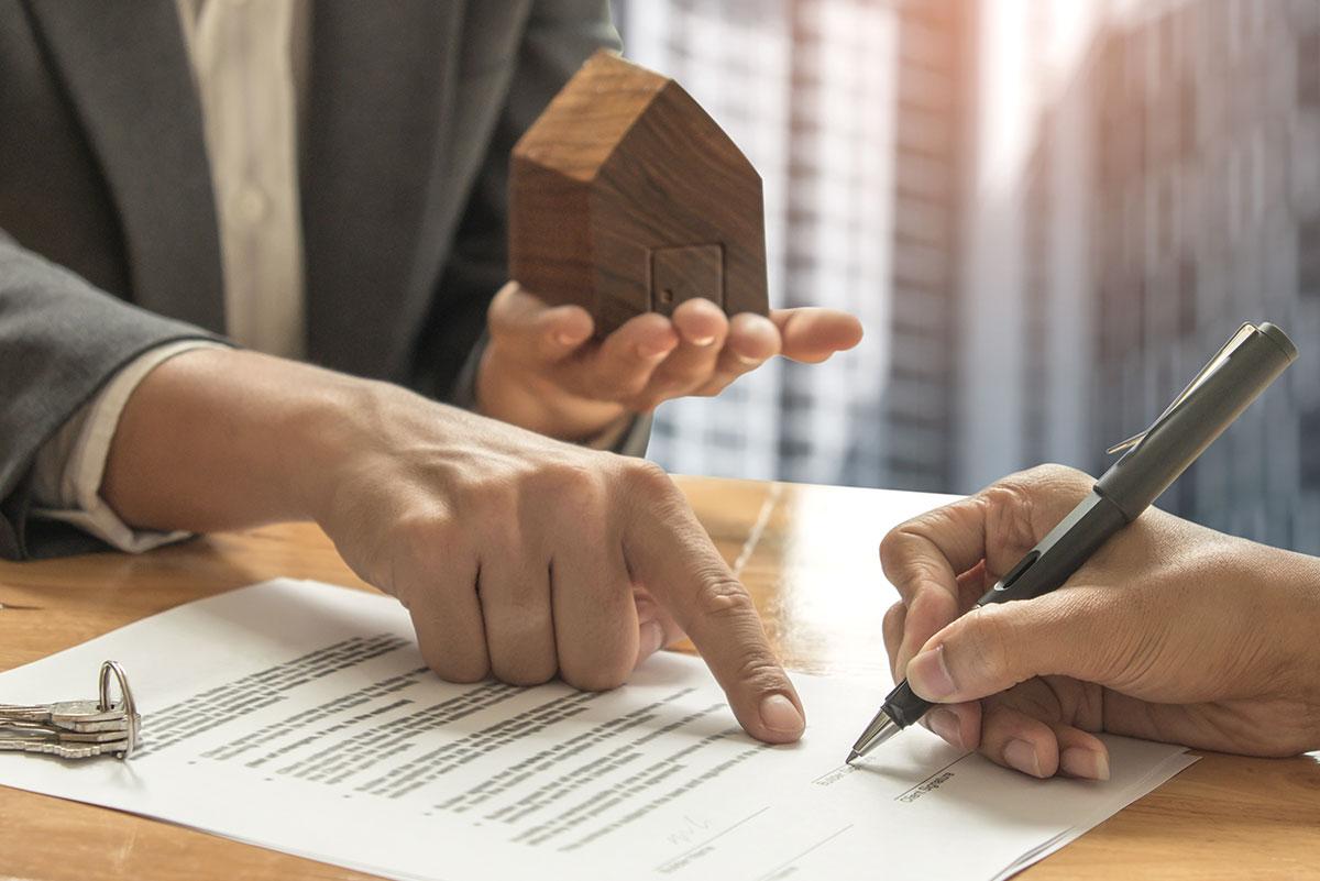 Sobre la mesa: pago de impuestos para herencias de Propiedad Inmobiliaria en México