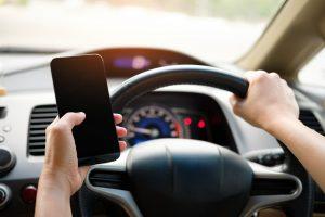Conducir con celular combinación catastrófica