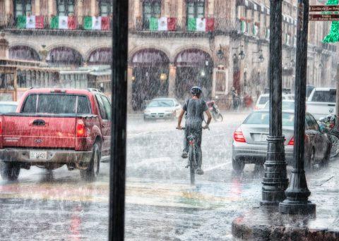 Toma precauciones: los accidentes viales se incrementan en época de lluvias