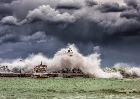 ¿Sabes cómo actuar ante la presencia de ciclones o huracanes?