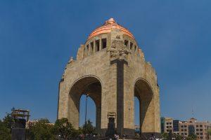 En conmemoración del movimiento de la Revolución Mexicana